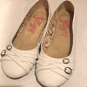 Jellypop White Ballet Flat Sz 8.5